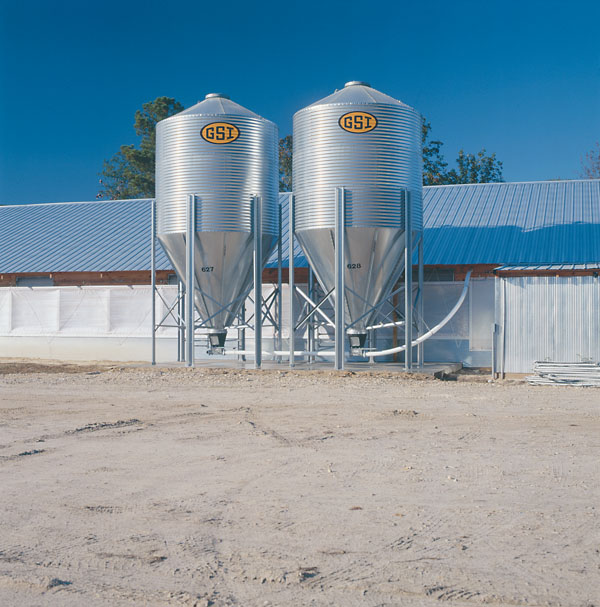 Silo's Bulk Feed Tanks